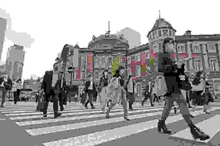 """Nhật Bản """"trượt dài"""" trong suy thoái, nhưng chưa phải là điều tồi tệ nhất"""