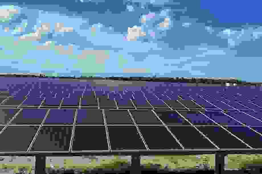 Bán dự án điện mặt trời cho Thái Lan, Trung Quốc: Hoạt động bình thường?