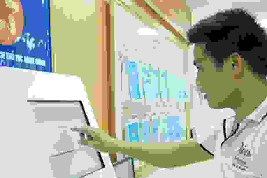 Hướng dẫn dịch vụ công trực tuyến tới đối tượng gặp khó do dịch Covid-19