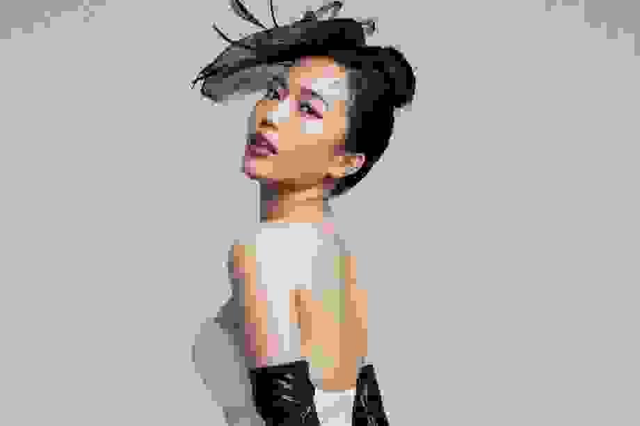 Diễn viên hài Diệu Nhi tung ảnh táo bạo khoe vai trần mừng sinh nhật
