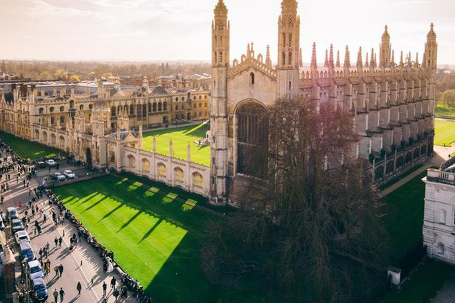 Đại học Cambridge chuyển 100% bài giảng sang dạng trực tuyến năm học tới
