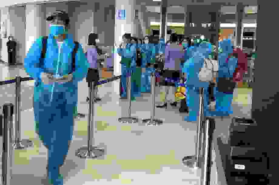 Hà Nội đón hơn 340 người Việt hồi hương từ Nhật