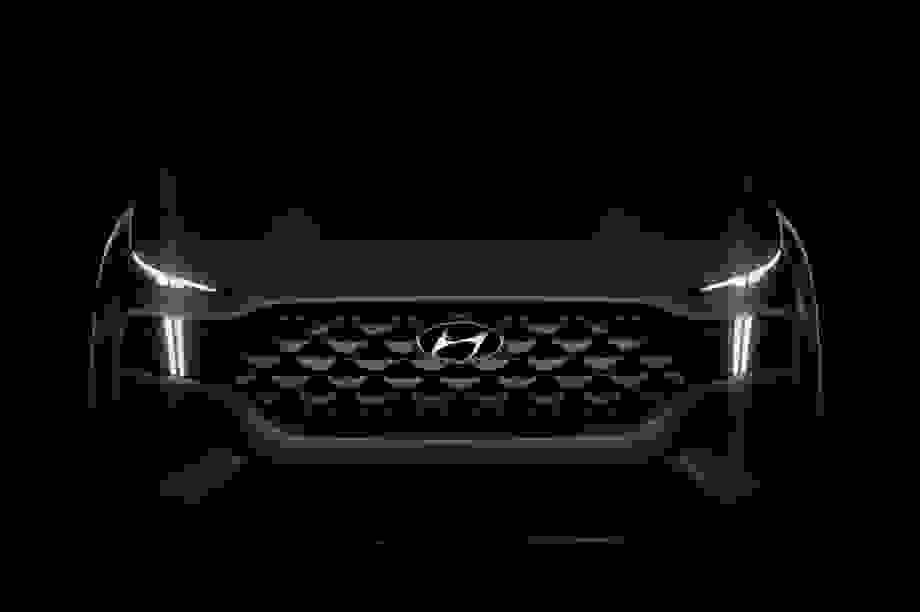 Hé lộ hình ảnh Hyundai Santa Fe phiên bản mới 2021