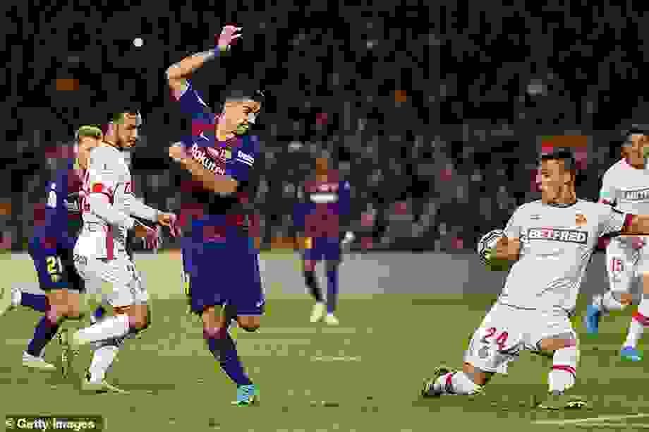 Barcelona trở lại hành trình bảo vệ ngôi đầu bảng La Liga