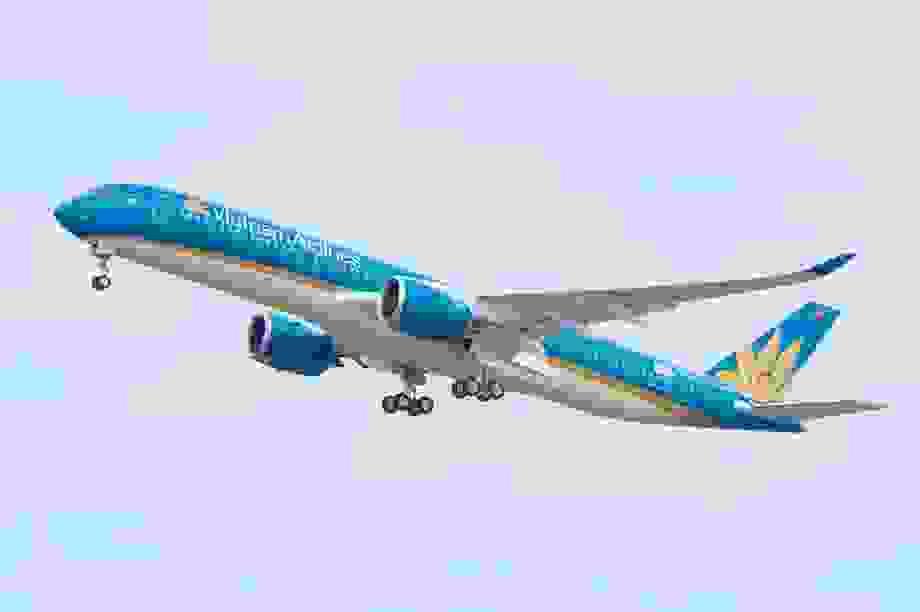 """""""Mở cửa"""" đường bay quốc tế, mỗi tuần Việt Nam tiếp nhận 3.000 khách"""