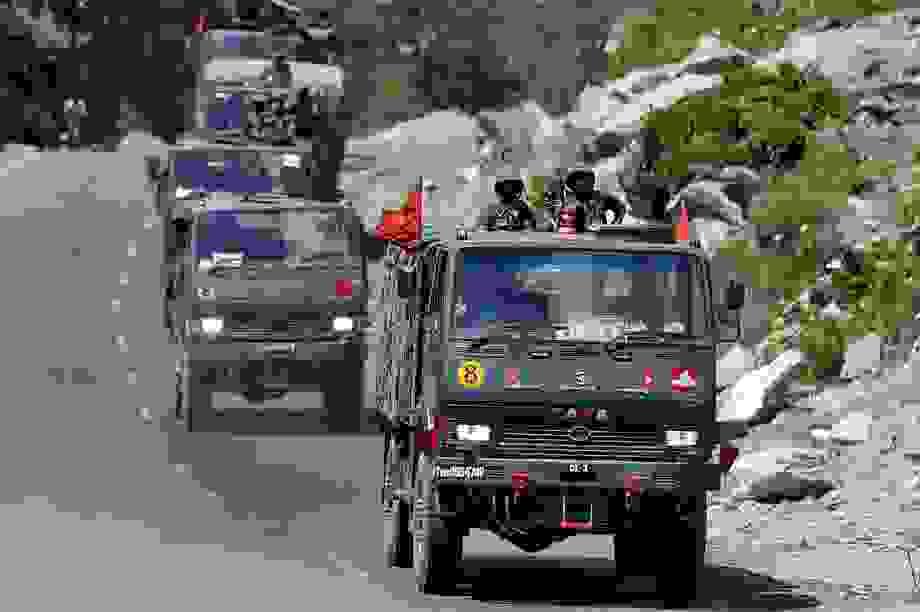 Trung Quốc bắt đầu rút quân gần biên giới Ấn Độ