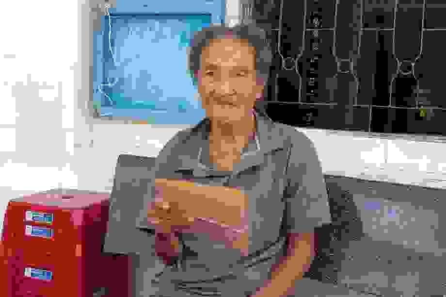Cụ ông 103 tuổi mỏi mòn chờ chính quyền xã trả lại đất của chính mình