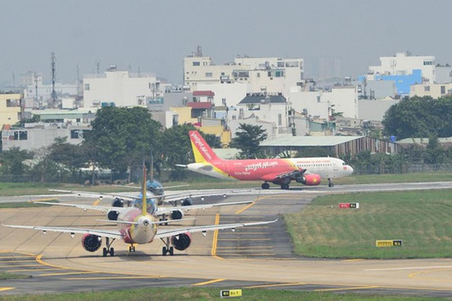 Bộ trưởng Giao thông lên tiếng về việc chậm chuyến bay tăng bất thường