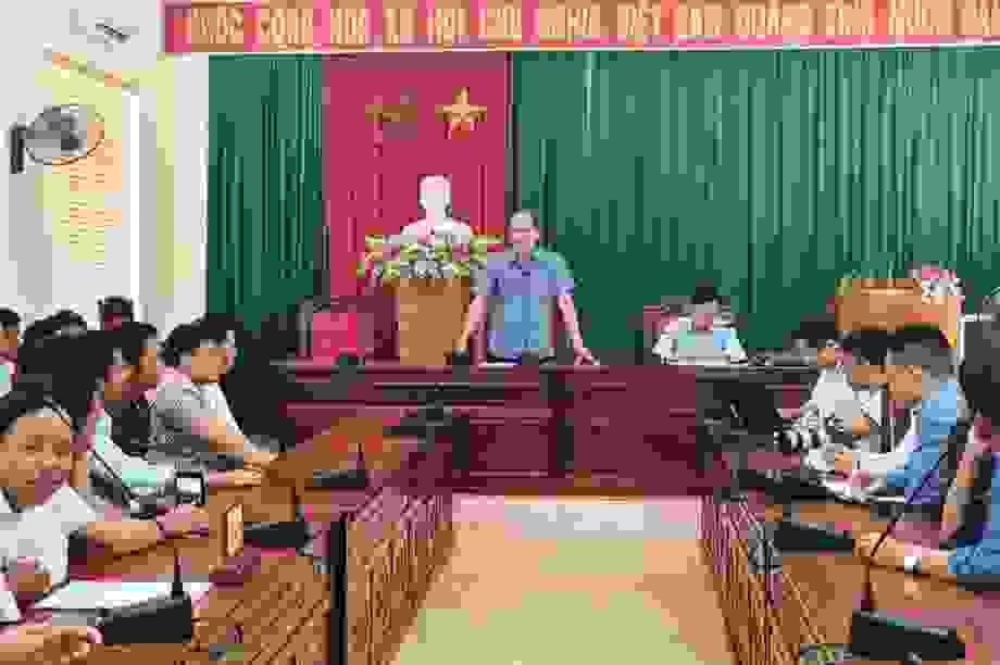 60 phụ huynh lên trụ sở UBND tỉnh ý kiến về việc giải thể trường
