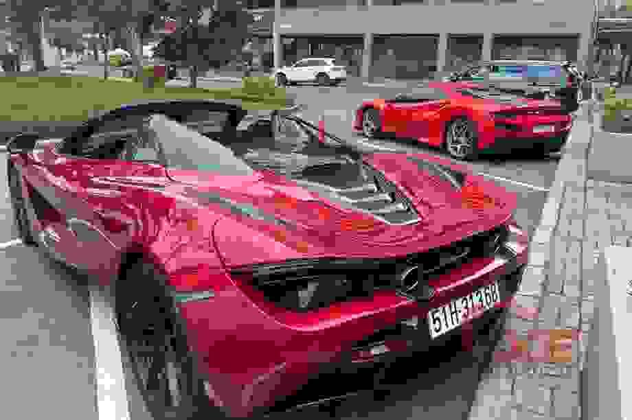 """Hé lộ mức thuế phí của hai """"siêu xe"""" đình đám tại Việt Nam"""