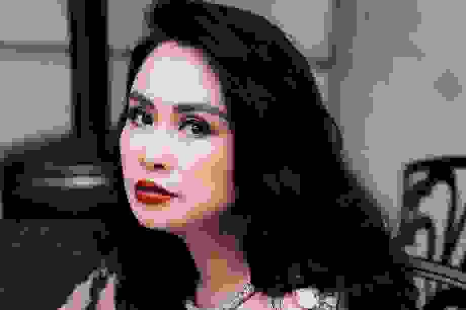 """Thanh Lam hát """"Màu Hoa Đỏ"""" tri ân bố mẹ"""