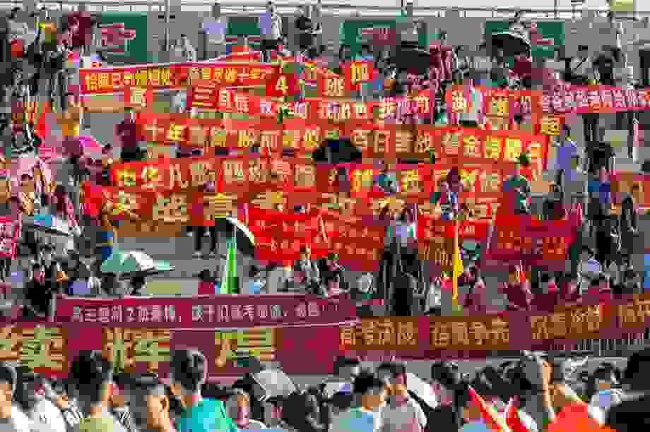Trung Quốc: Xu hướng ôn khắc nghiệt, thi lại gaokao để vào đại học tinh hoa
