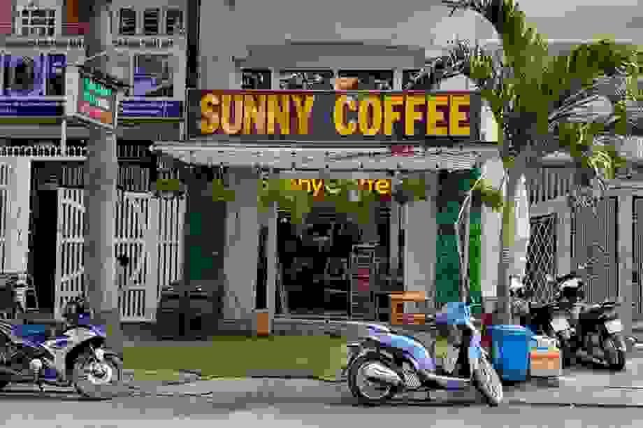 Khởi tố người phụ nữ thuê nhóm thiếu niên tạt sơn quán cà phê