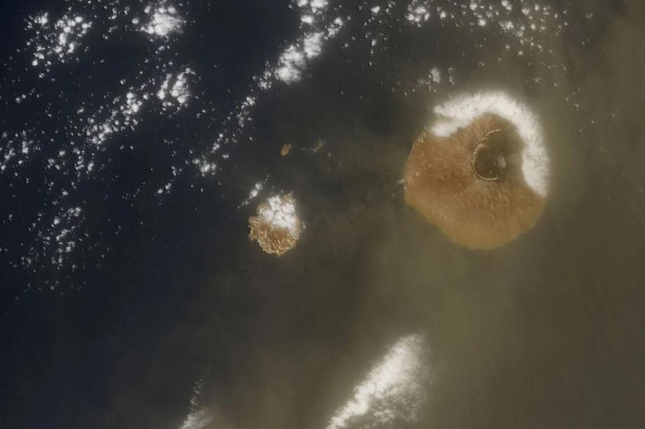 Đám mây bụi Sahara quét qua Đại Tây Dương lớn nhất từ trước đến nay