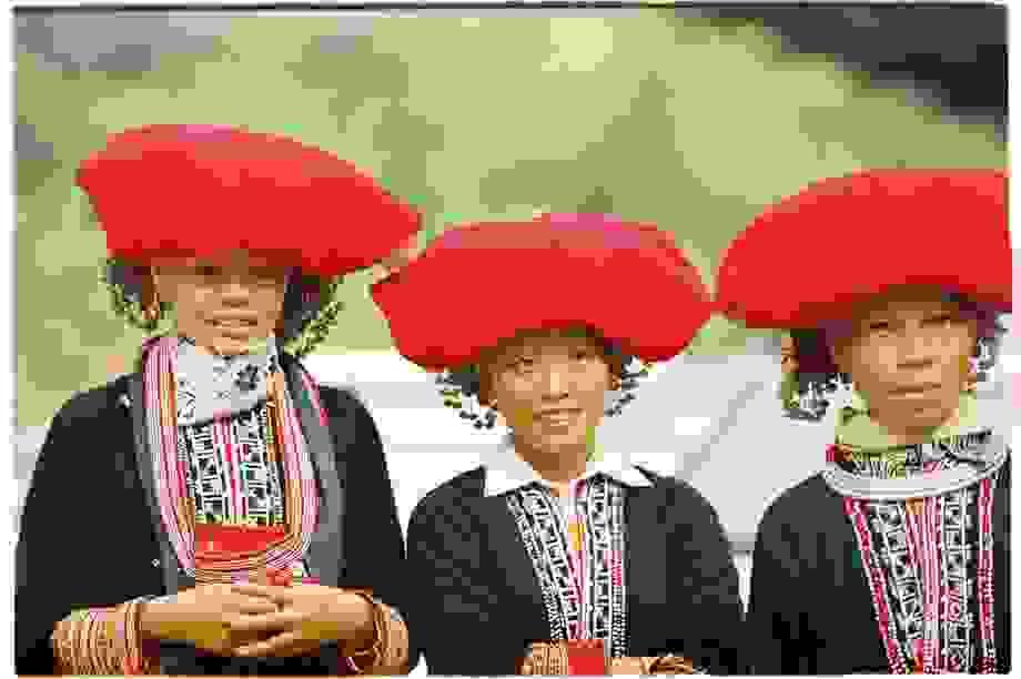 Độc đáo trang phục phụ nữ các dân tộc vùng cao