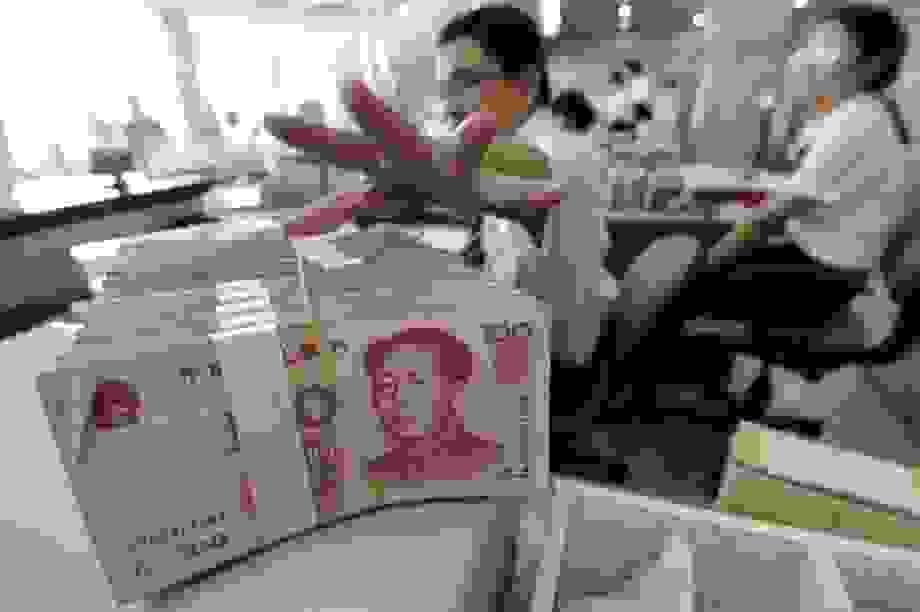 Dân Trung Quốc ồ ạt đi rút tiền khỏi ngân hàng do tin đồn trên mạng xã hội