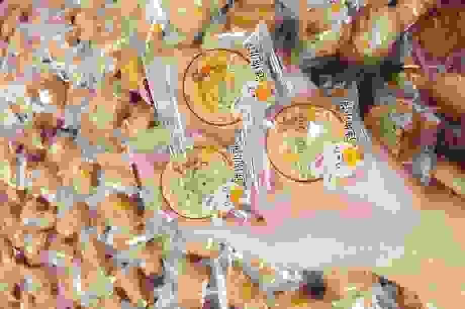 Bánh trung thu 2.000 đồng/chiếc, giật mình hàng Trung Quốc thượng hạng