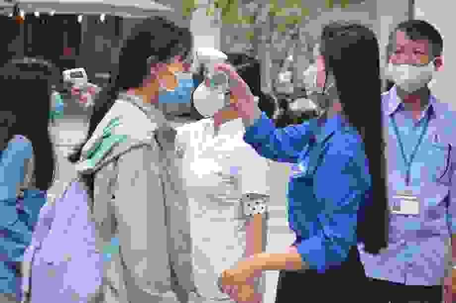 Đà Nẵng: Thí sinh mang nước uống, khẩu trang khi đi thi tốt nghiệp THPT
