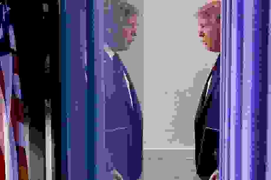 Những điều ông Trump có thể làm trước khi rời Nhà Trắng