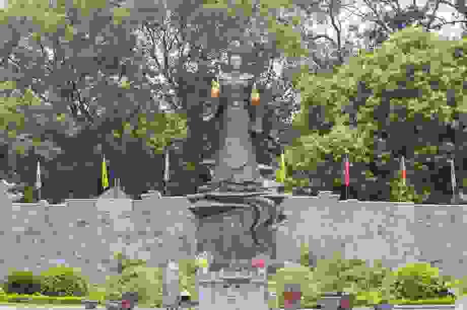 Chiêm ngưỡng bức tượng đồng nguyên chất lớn nhất Việt Nam
