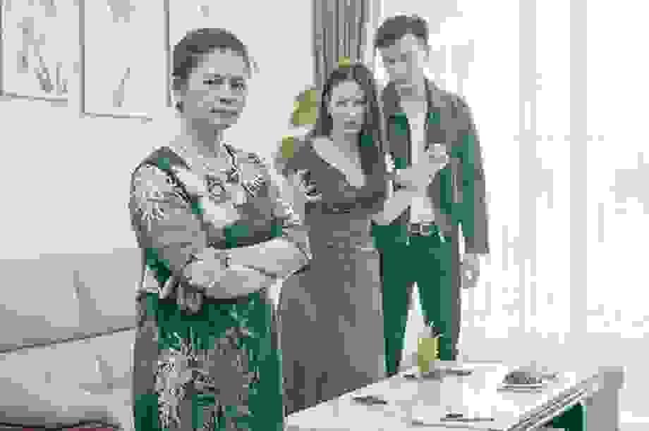 Trả chồng, đòn cảnh tỉnh bất ngờ của con dâu khiến mẹ chồng ghê gớm cũng phải phục lăn