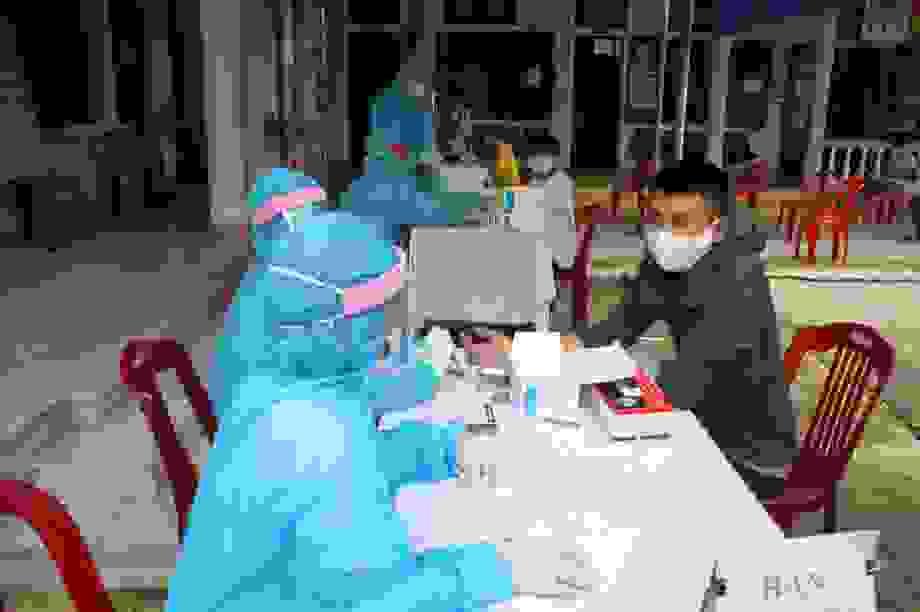Nhiều nơi xét nghiệm nhanh Covid-19, xử lý nghiêm không khai báo y tế