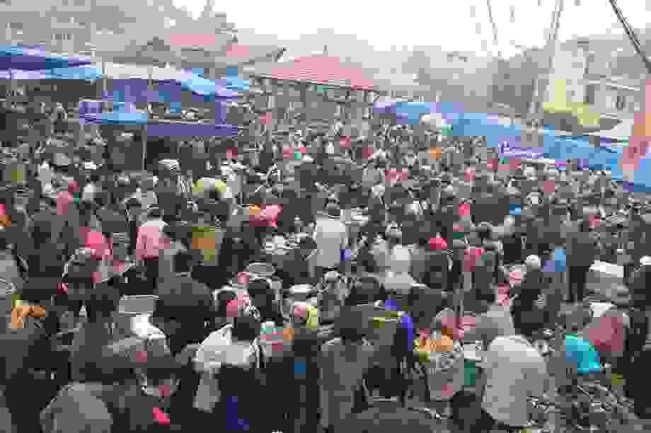 Hấp dẫn chợ phiên vùng cao Lào Cai
