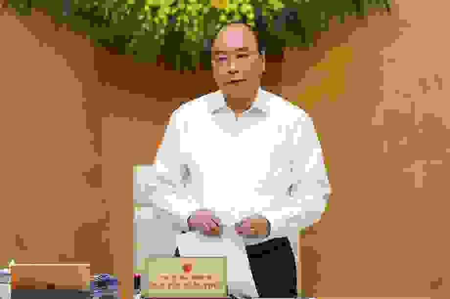 Thủ tướng gửi thư khen, động viên các chiến sĩ áo trắng