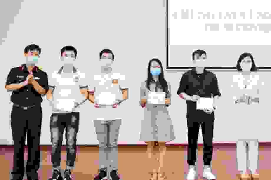Hòa Bình: 4 bệnh nhân Covid-19 khỏi bệnh được ra viện