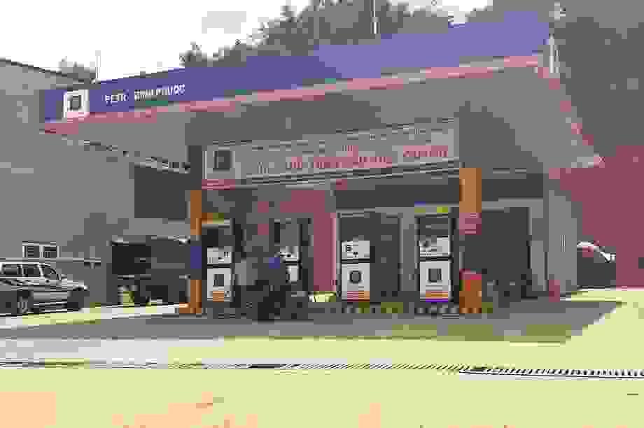 Gần 400 cửa hàng tiêu thụ xăng giả của đại gia Trịnh Sướng