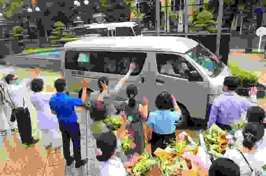 Đoàn y bác sĩ Hà Nội, Hải Phòng lên đường đến với tâm dịch Đà Nẵng