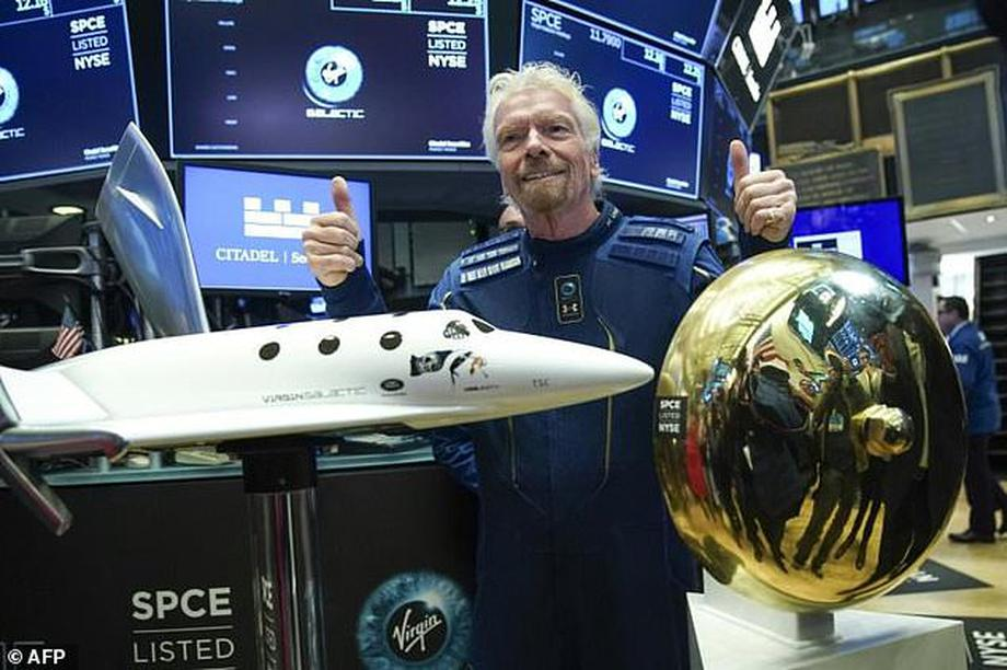 Đặt cọc hơn 5 tỷ đồng cho một chuyến du lịch vũ trụ vào năm 2021