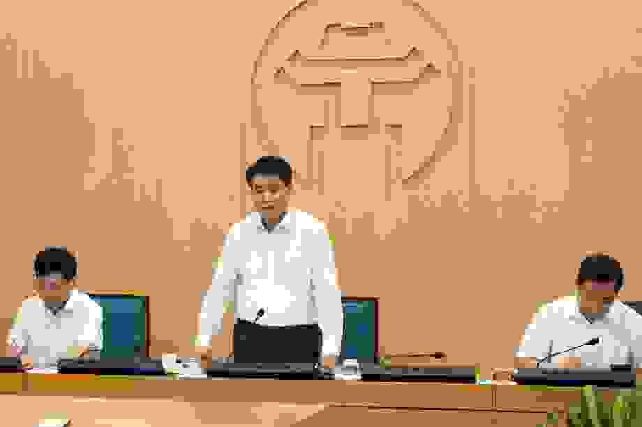 Chủ tịch Hà Nội nâng mức cảnh báo Covid-19, cấm triệt để quán bar vũ trường