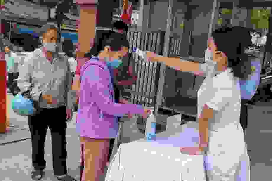 """Bộ Y tế lần thứ 3 """"thúc"""" các địa phương truy vết người từ Đà Nẵng về"""