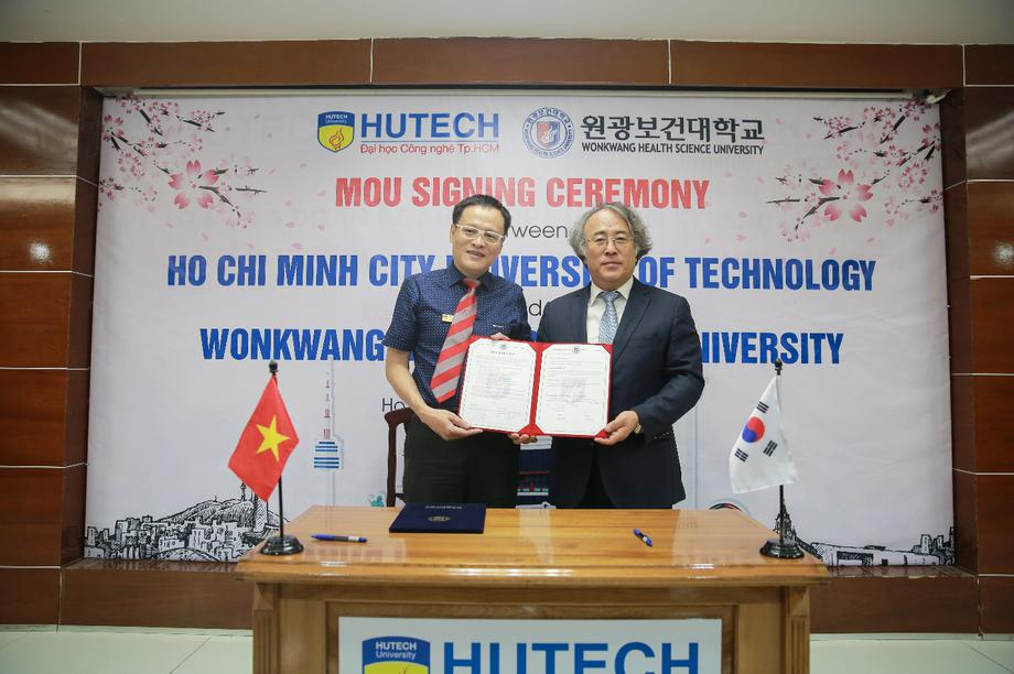 Chương trình Đại học chuẩn Hàn Quốc: Lựa chọn để thành công trong doanh nghiệp Hàn