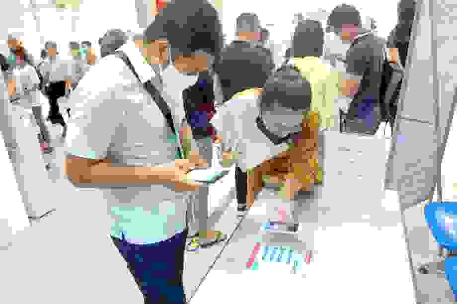 Hà Nội: Nhiều vị trí kinh doanh lương khởi điểm từ 10 triệu đồng/tháng