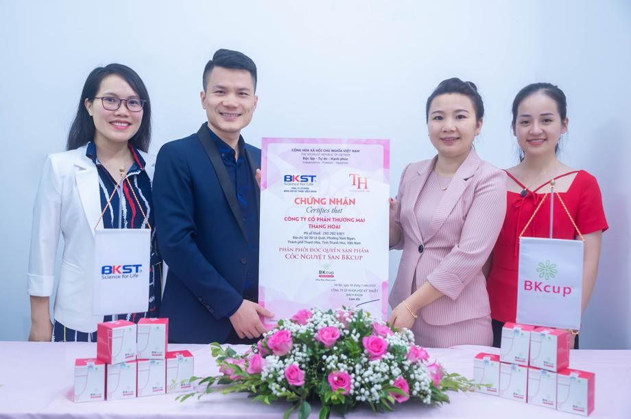 Việt Nam chế tạo thành công cốc nguyệt san chuyên biệt cho phụ nữ Việt