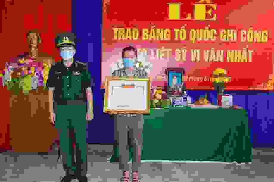 Thanh Hoá: Trao Bằng Tổ quốc ghi công cho Thiếu tá Vi Văn Nhất