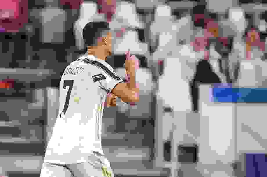 """C.Ronaldo và bi kịch của người """"gồng gánh"""""""