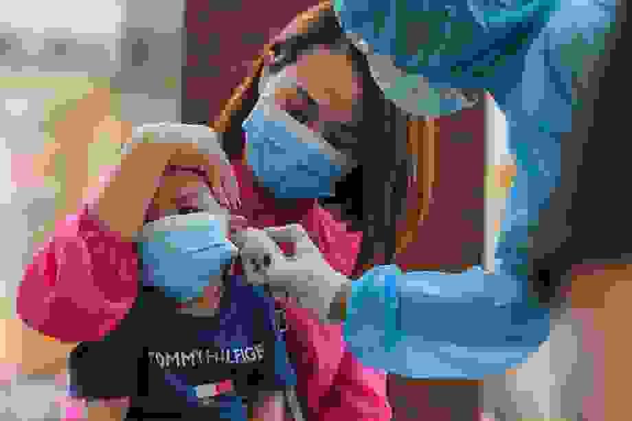 Hà Nội: Ngày đầu xét nghiệm PCR cho người trở về từ vùng dịch Đà Nẵng