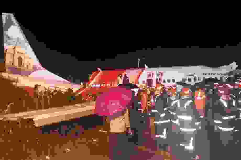 Máy bay chở 190 người vỡ đôi ở Ấn Độ: 18 người chết khi về nước tránh dịch