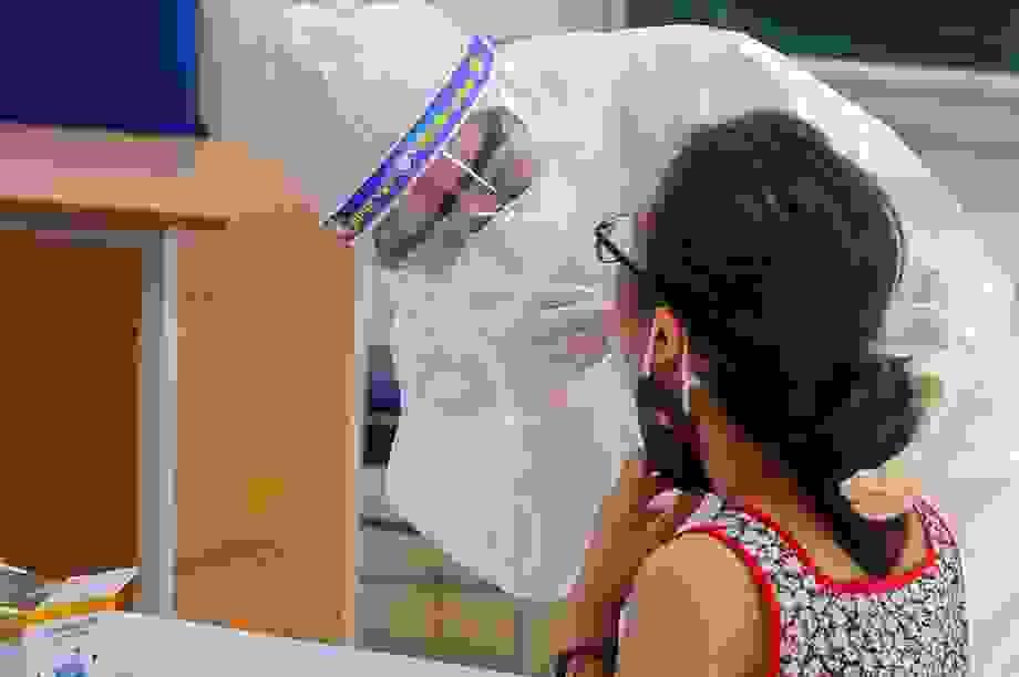 Bộ Y tế rút nhóm chuyên gia xét nghiệm từ Đà Nẵng về hỗ trợ Hà Nội