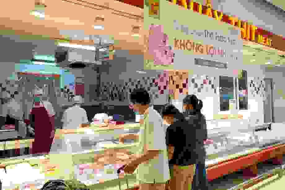"""Thực hư việc siêu thị bán thịt lợn """"không lợi nhuận"""" vì dịch Covid-19"""
