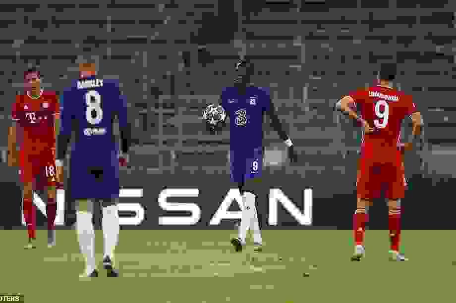 Thua thảm Bayern Munich, Chelsea xác lập cột mốc buồn