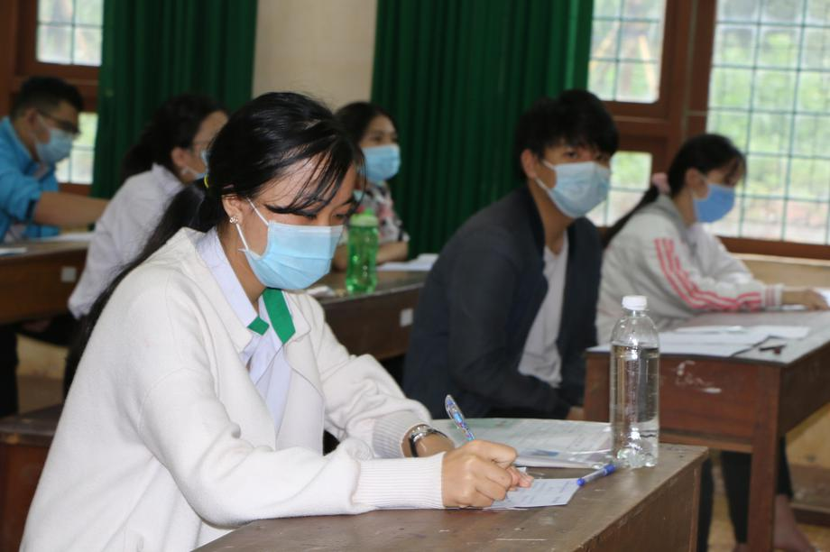 Đắk Nông: Xét đặc cách tốt nghiệp cho thí sinh có bố qua đời trước ngày thi