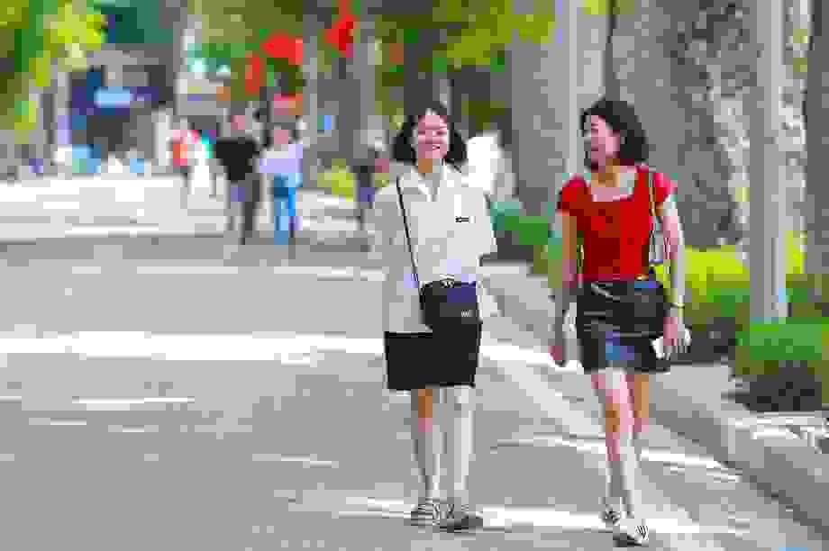 """Người dân Hà Nội vẫn thờ ơ với """"lệnh"""" đeo khẩu trang nơi công cộng"""