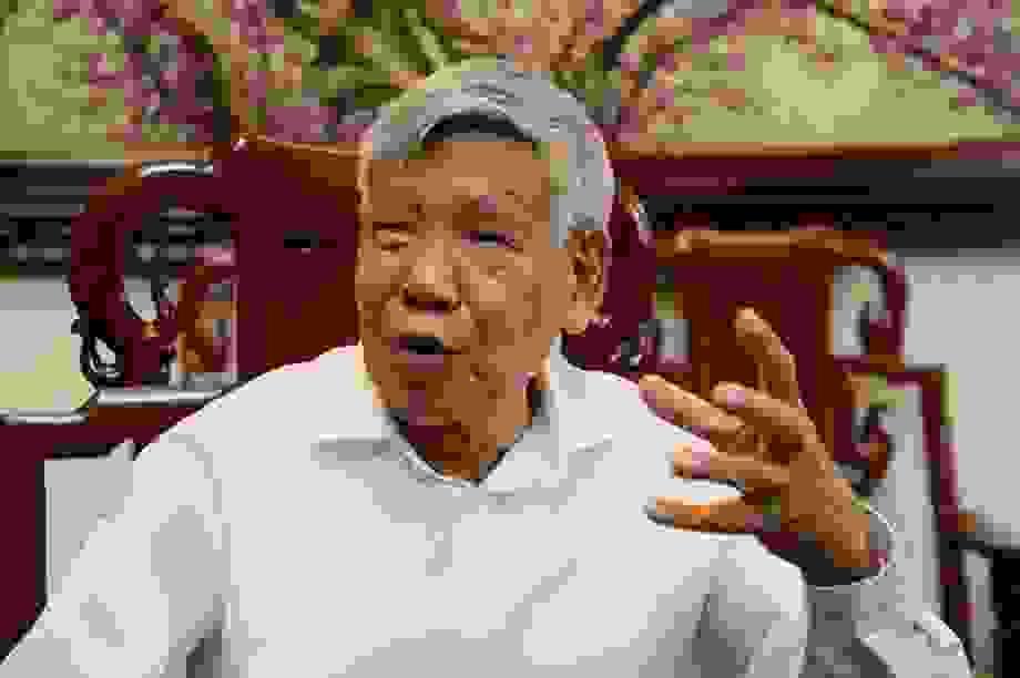 Nguyên Tổng Bí thư Lê Khả Phiêu trăn trở việc chỉnh đốn Đảng thời kỳ mới
