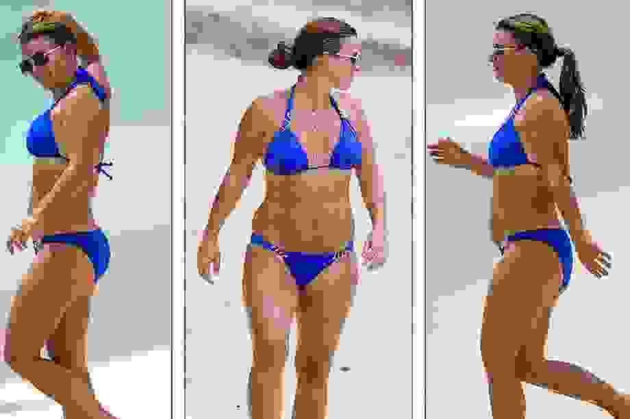 Coleen Rooney diện bikini khoe dáng tròn trịa