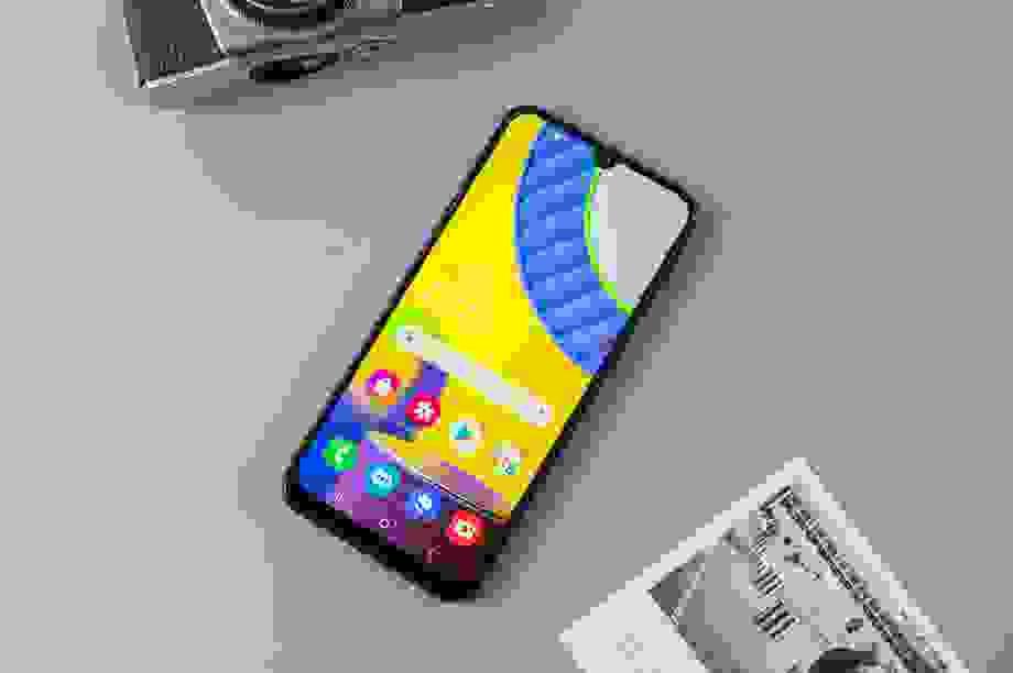 Bộ ba smartphone Samsung giá rẻ đáng sở hữu tại FPT Shop