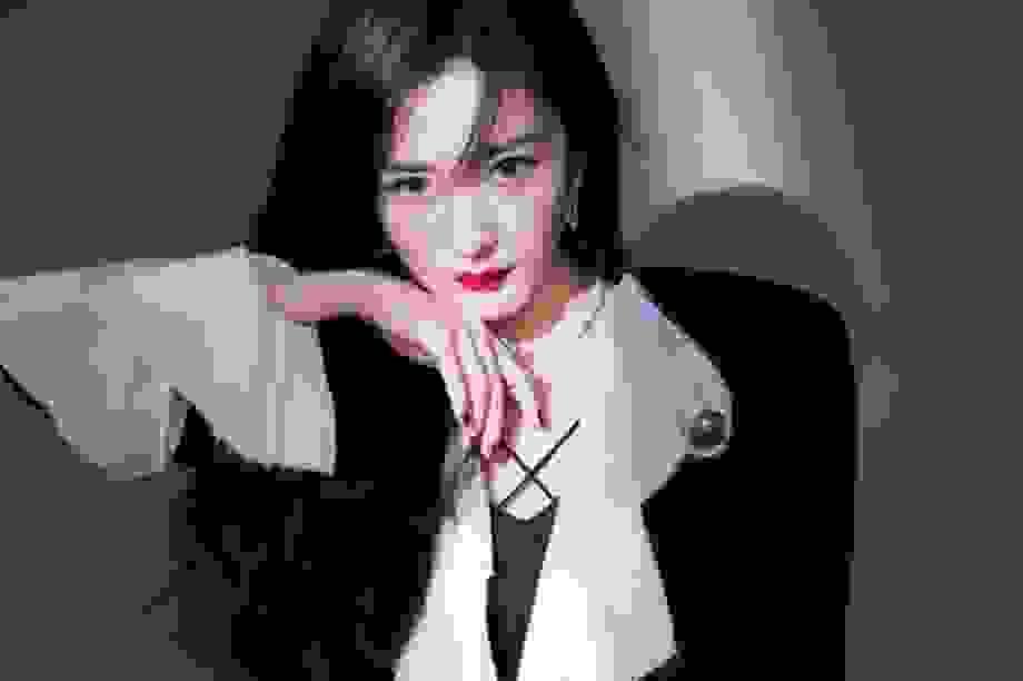 Dương Mịch bị chỉ trích vô tâm vì một năm không gặp con gái